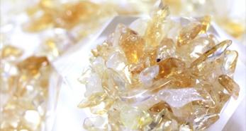 マダガスカル産ローズクォーツ(紅水晶) さざれ 8月の誕生石 器に入れて空間の浄化に